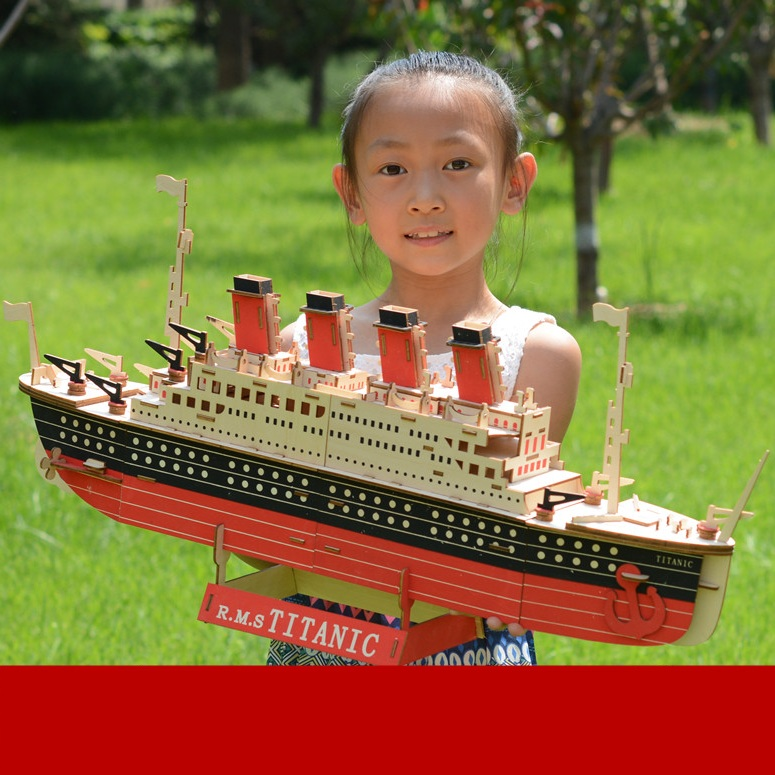 Đồ chơi lắp ráp gỗ 3D Mô hình Tàu Titanic Laser ZY-073 Kèm đèn LED