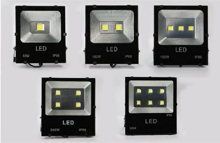 Bộ 8 đèn Led pha COB 20W