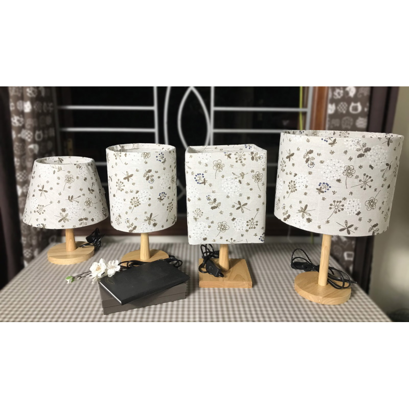Đèn ngủ để bàn DB-E02 CẨM TÚ CẦU, đèn ngủ để bàn mini chao vải canvas dễ thương, chân gỗ cao cấp, công tắc bật tắt, tặng kèm bóng
