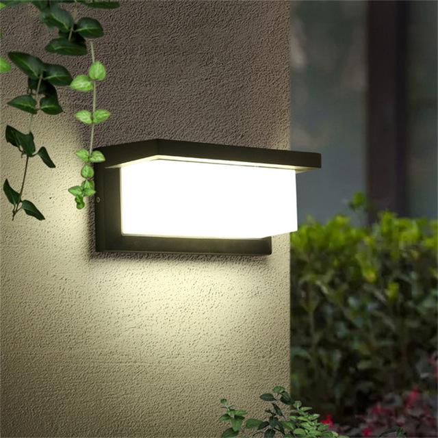 Đèn gắn tường ngoài trời hiện đại hộp chữ nhật VNT603