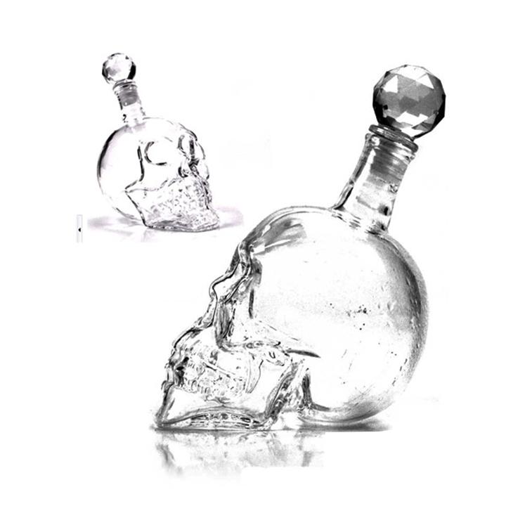 Bình đựng nước, đựng rượu đầu lâu độc đáo