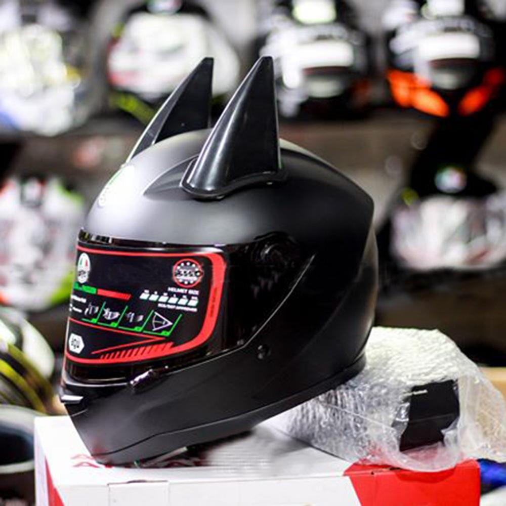 Nón Fullface AGU A138 Đen Trơn Nhám Kèm Sừng Batman Sẵn keo siêu chất dành cho phượt thủ_ Mũ bảo hiểm có kính