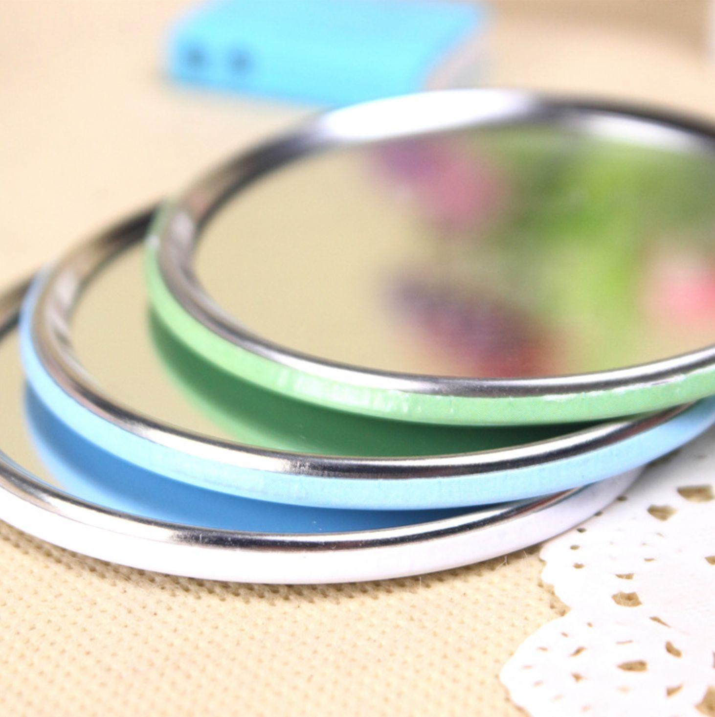 Gương trang điểm Hình Cô Gái bằng thép không ghỉ tiện dụng