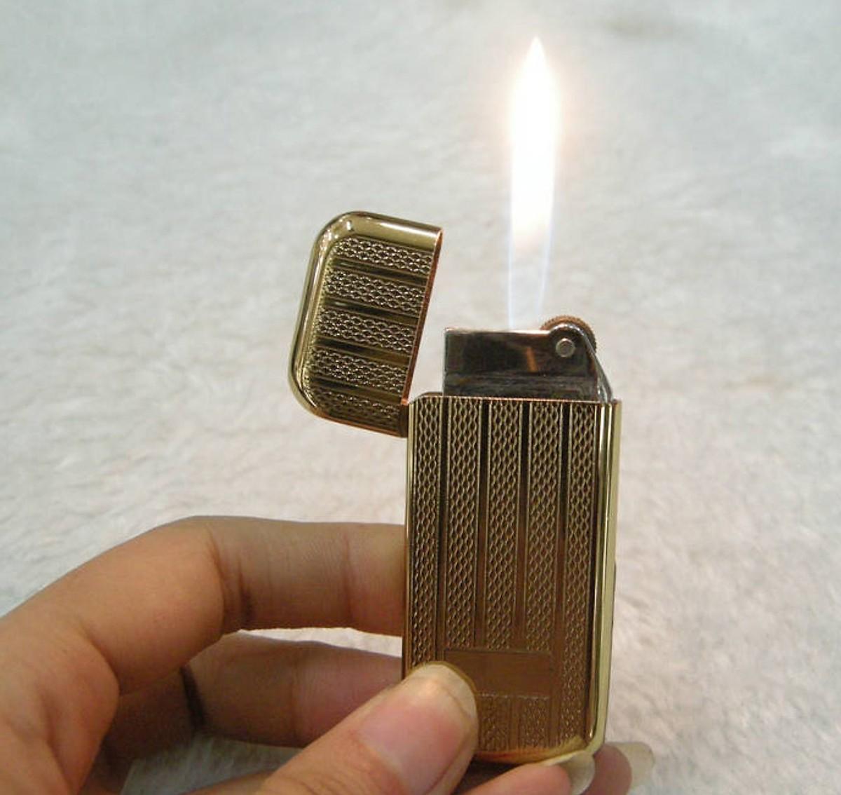 Combo Hộp Quẹt Bật Lửa HY-076A Dùng Gas Đá Cao Cấp + Tặng Vỉ Đá Chuyên Dụng Cho Bật Lửa