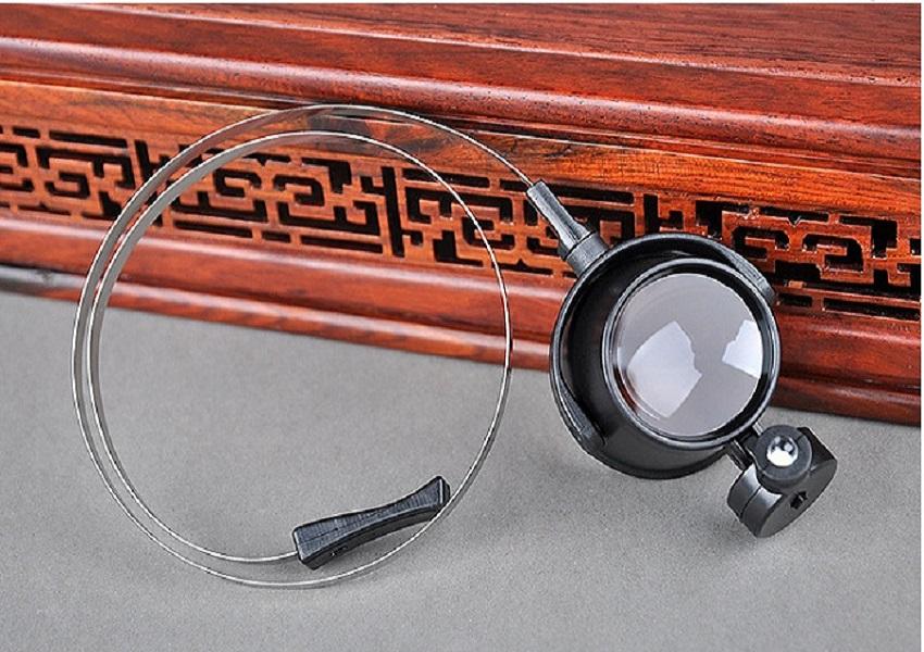 Kính lúp đeo mắt phóng đại 15X hỗ trợ sửa chữa điện tử đa năng có đèn ( Tặng kèm 02 móc treo đồ dán tường chịu lực ngẫu nhiên )