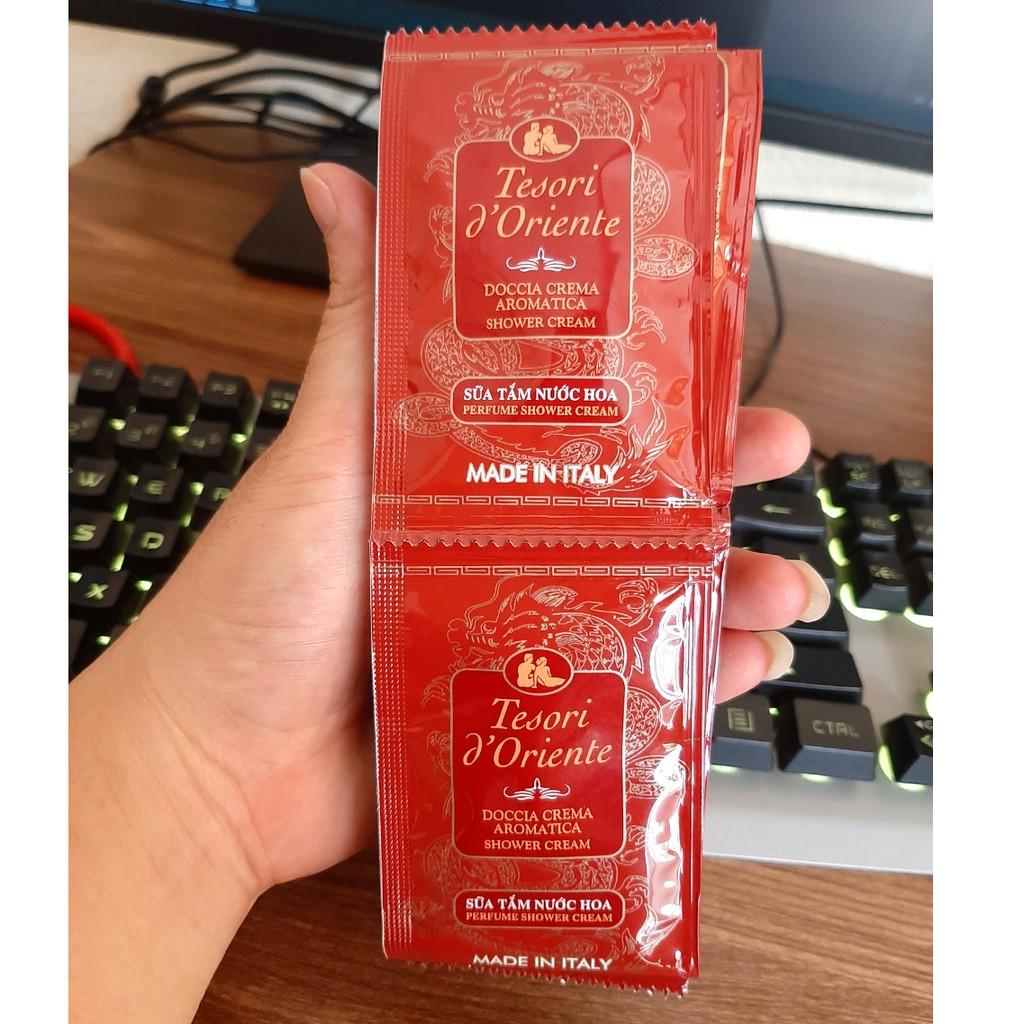 Bộ 12 gói sữa tắm thanh long Tesori d'Oriente 7ml/gói tặng móc khóa