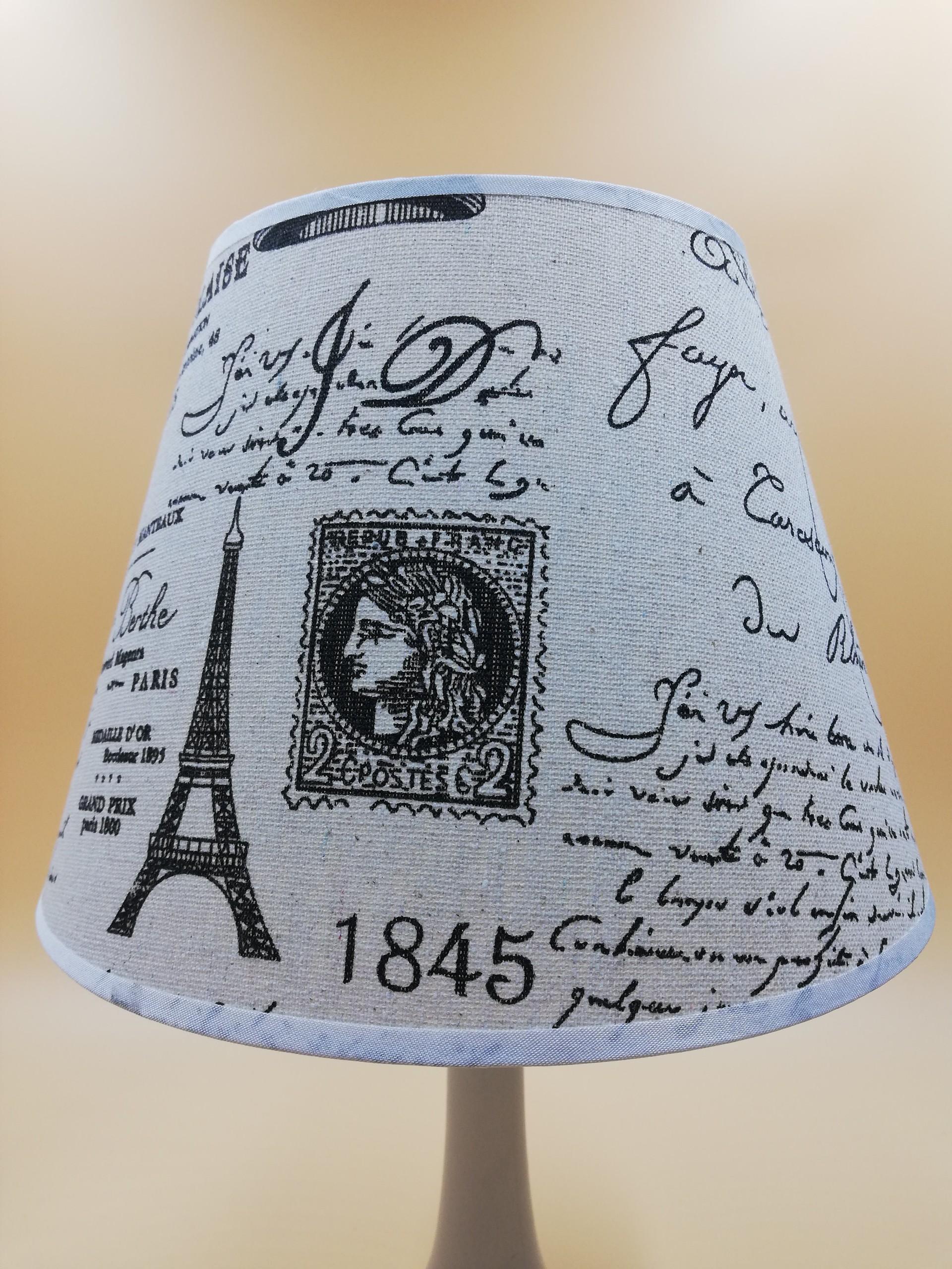 Đèn ngủ để bàn kiểu dáng tem thư cổ điển VKT T2035 - 22 x 25 (cm)  (tặng kèm bóng)