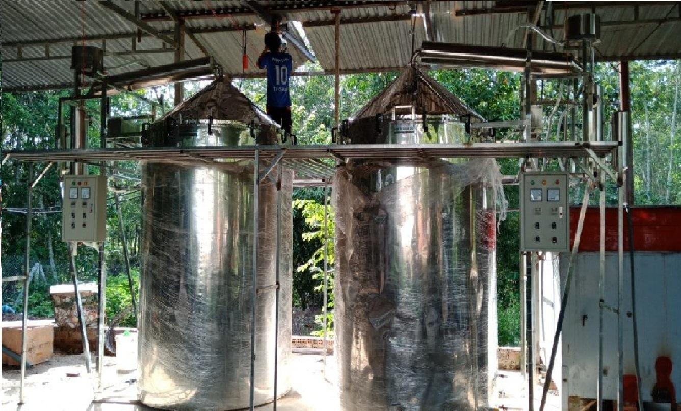 Tinh dầu Dứa (thơm, khớm) 50ml Mộc Mây - tinh dầu thiên nhiên nguyên chất 100% - chất lượng và mùi hương vượt trội - Có kiểm định - Mùi nhiệt đới, mát, ngọt ngào, sản khoái...mùi của tuổi trẻ và sự thư giản