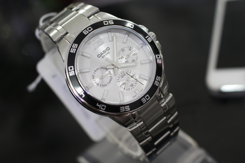 Đồng hồ nam dây kim loại Casio MTP-1300D-7A1VDF