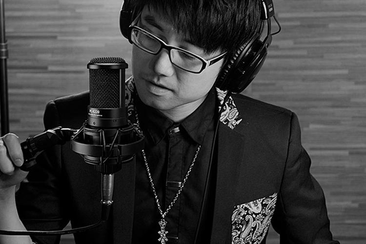 Micro Hát Karaoke Online Takstar PC-K220 (48V)  - Hàng Chính Hãng