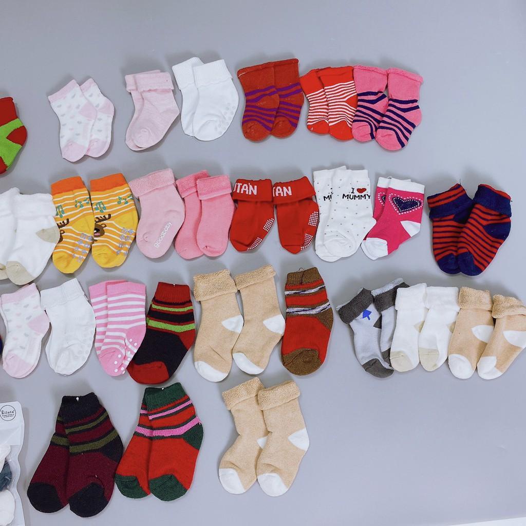 Sét 3 đôi tất len xù dành cho bé sơ sinh đến 6 tháng