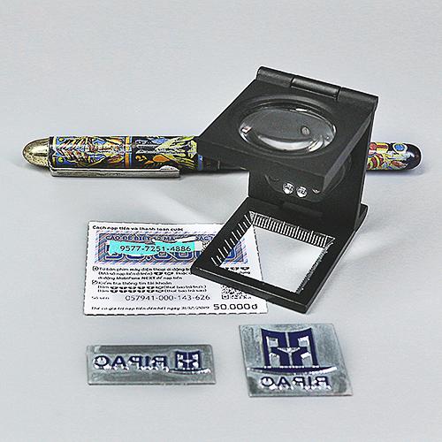 Lúp Xếp Mini Có Đèn FD630L - Hàng Nhập Khẩu