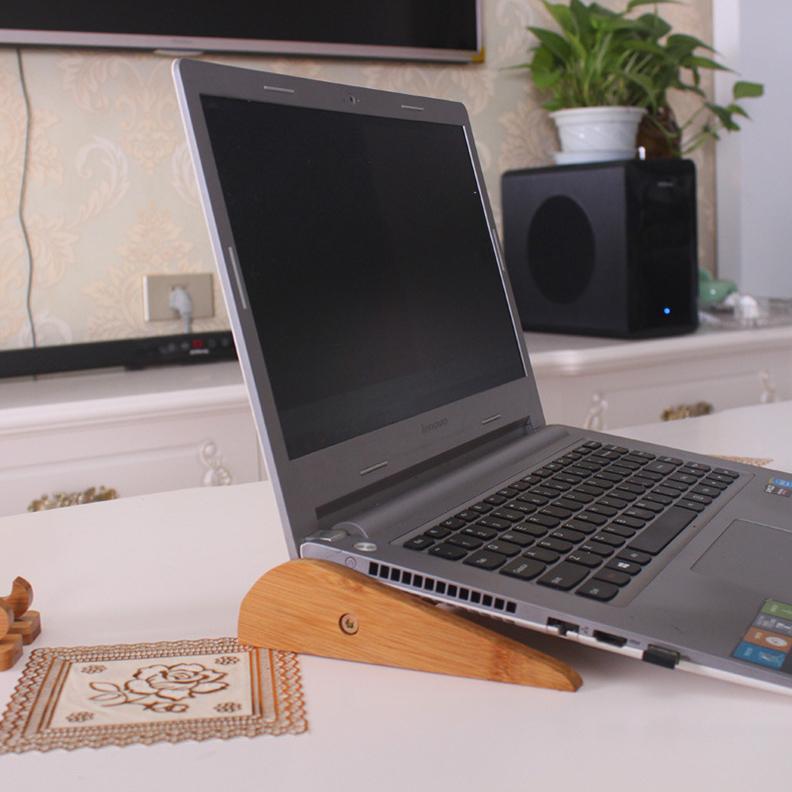 Giá Kệ Gỗ Đỡ LapTop có thể điều chỉnh độ dài phù hợp với các loại máy tính được làm bàng gỗ Tre chống mối mọt cong vênh,màu Vàng rất sáng và sang,Kích thước tối đa 35,7 x 16,5 x 4cm - Giá kệ đỡ máy tính xách tay