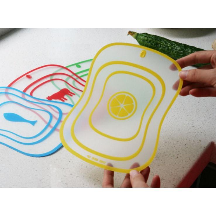 Thớt nhựa dẻo đa năng (15 x 20cm) - giao ngẫu nhiên