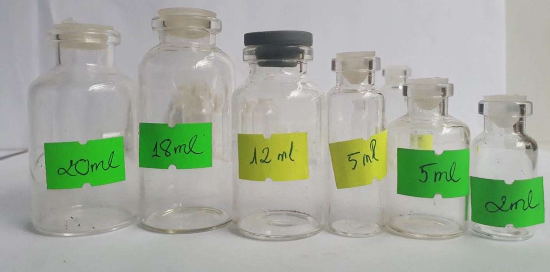 combo 10 Lọ thủy tinh 20ml có nút nhựa tặng một lọ thủy tinh mini dung tích 5ml dài có nút đậy bằng nhựa