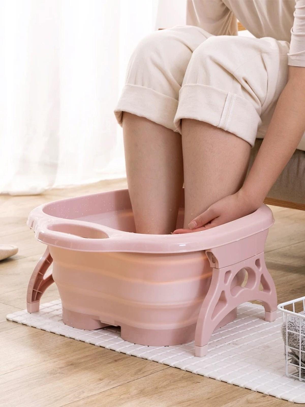 Chậu nhựa ngâm chân massage gấp gọn thông minh (Giao màu ngẫu nhiên - Tặng thuốc ngâm chân)
