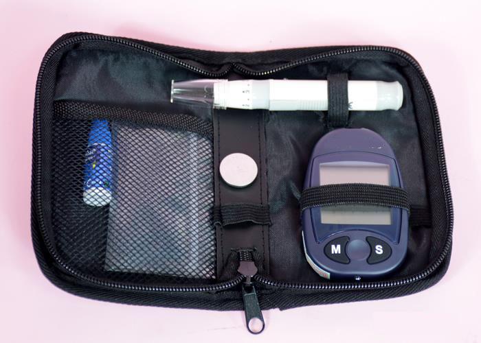 Combo máy đo đường huyết + Tặng hộp 50 que thử