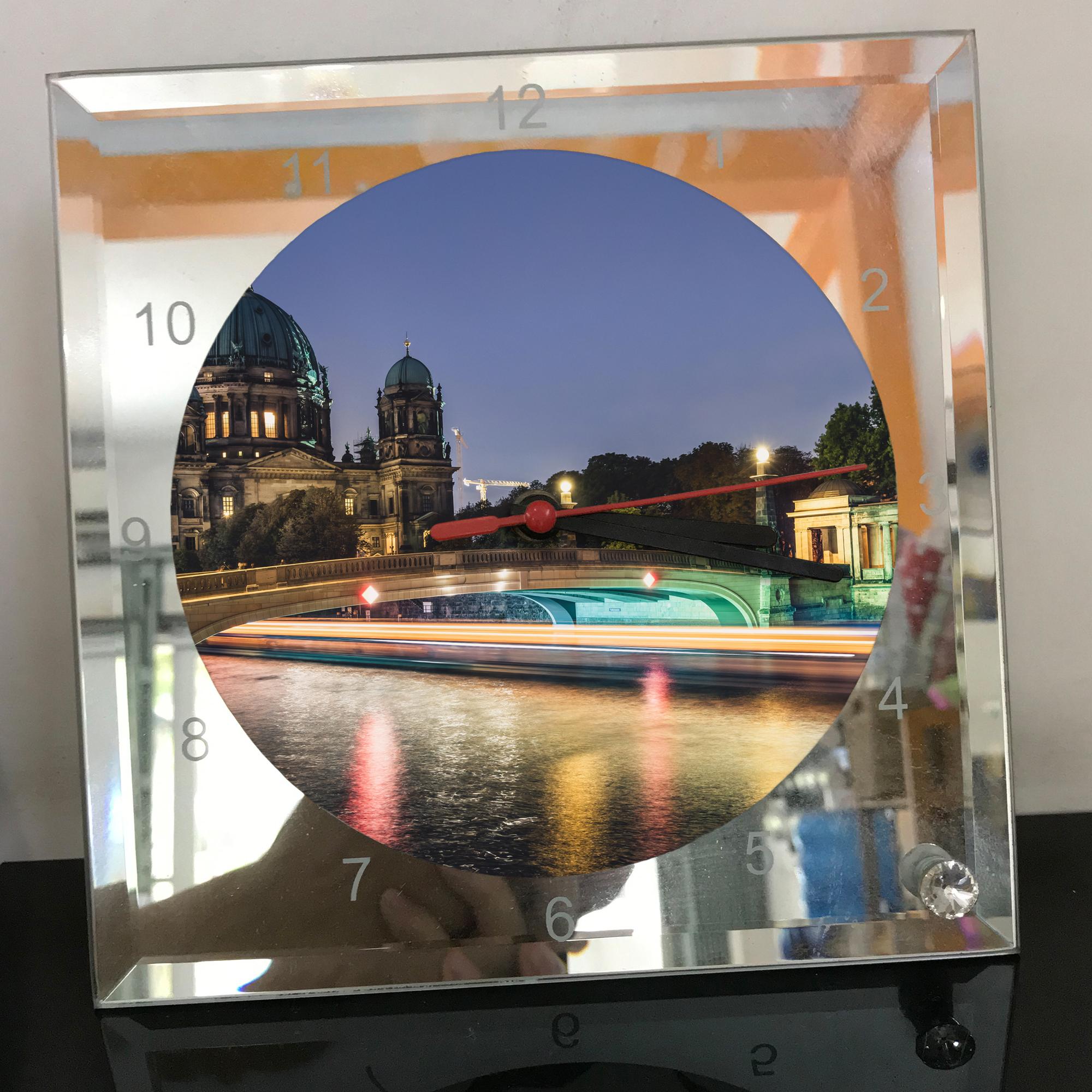 Đồng hồ thủy tinh vuông 20x20 in hình Berlin Cathedral - nhà thờ chính tòa Berlin (28) . Đồng hồ thủy tinh để bàn trang trí đẹp chủ đề tôn giáo