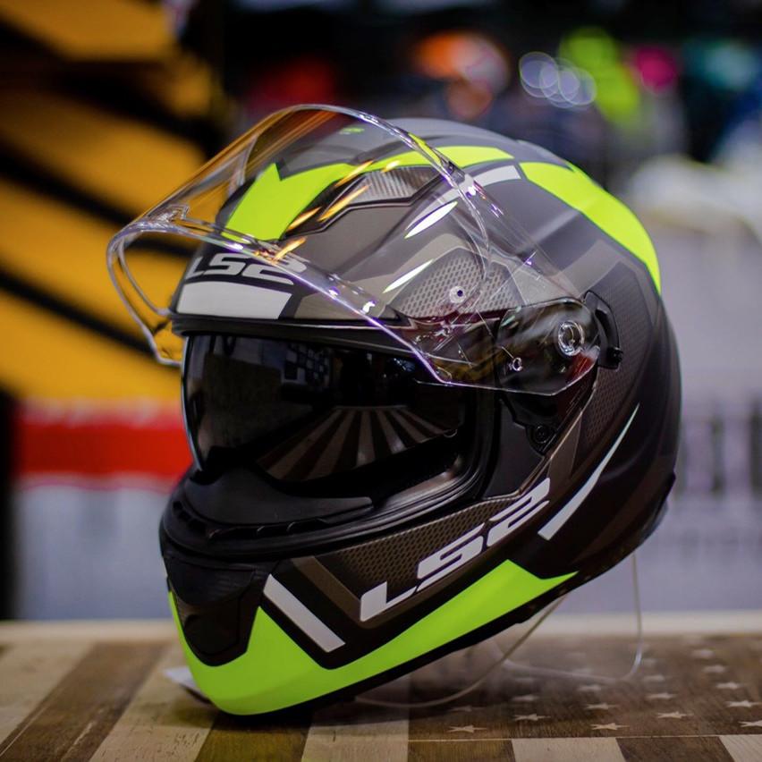 Mũ bảo hiểm fullface Ls2 FF320 Axis đen vàng 2 kính