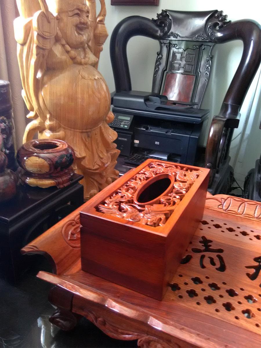 Hộp khăn giấy gỗ hương chữ nhật mặt trạm trổ rồng phượng tinh xảo - GRP01