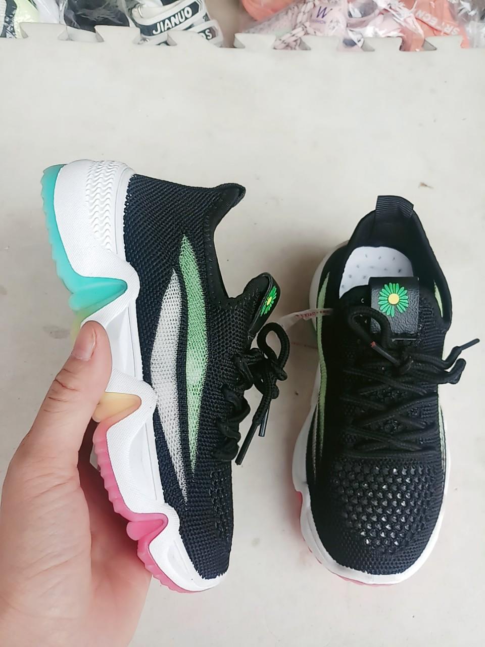 giày thể thao trẻ em
