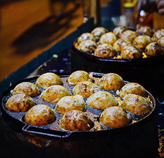 Khuôn Làm Bánh Khọt 12 Lỗ Gang Dày Nặng Chống Dính Có Nắp