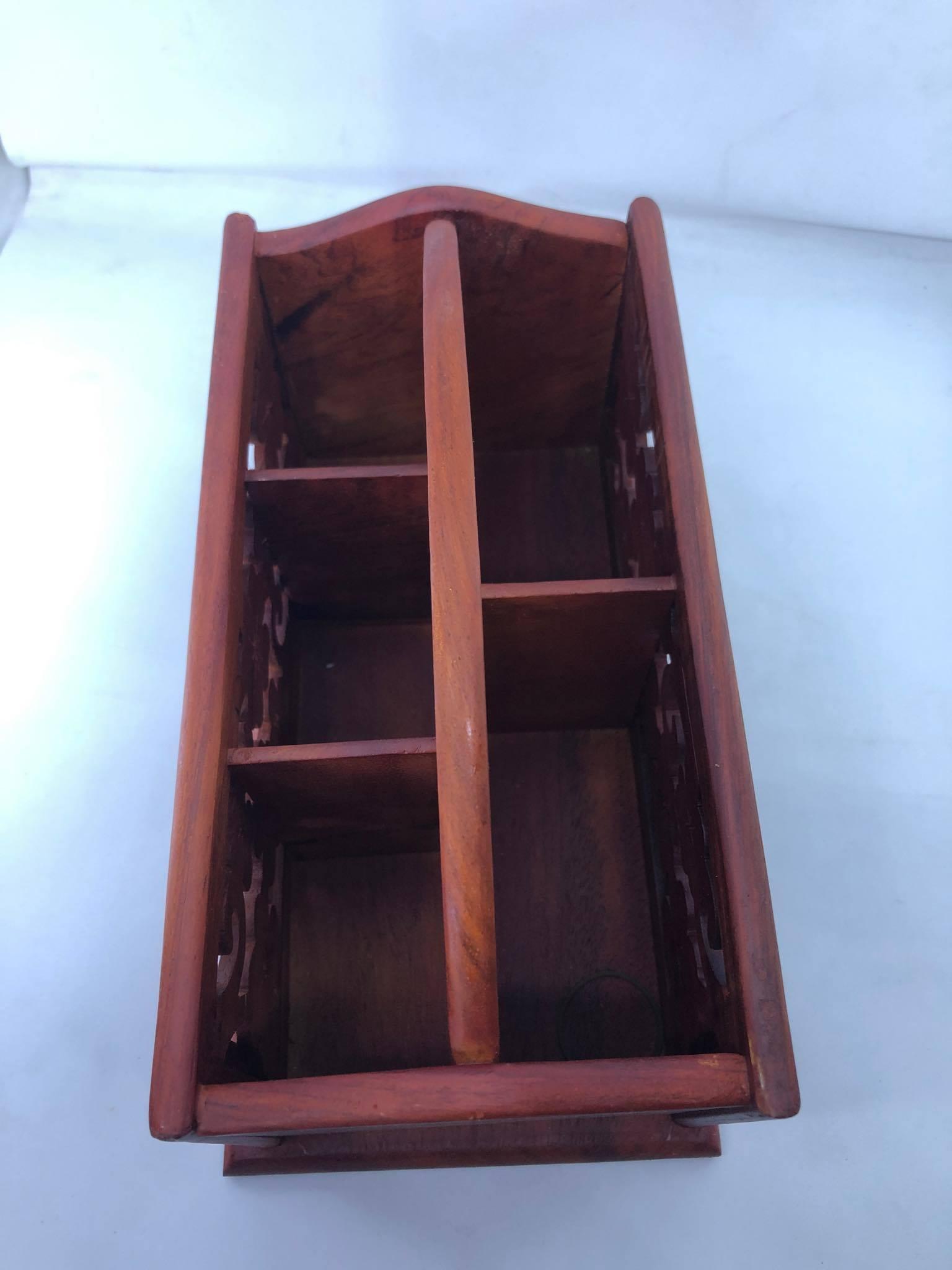 Hộp đựng khăn giấy đa năng bằng gỗ hương có quai xách