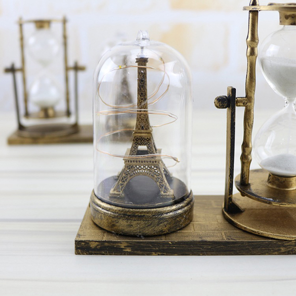 Quả cầu đèn led tháp Eiffel và đồng hồ cát
