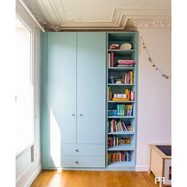 Thiết kế tủ gỗ chứa quần áo với 2 cánh, 1 kệ và 2 ngăn