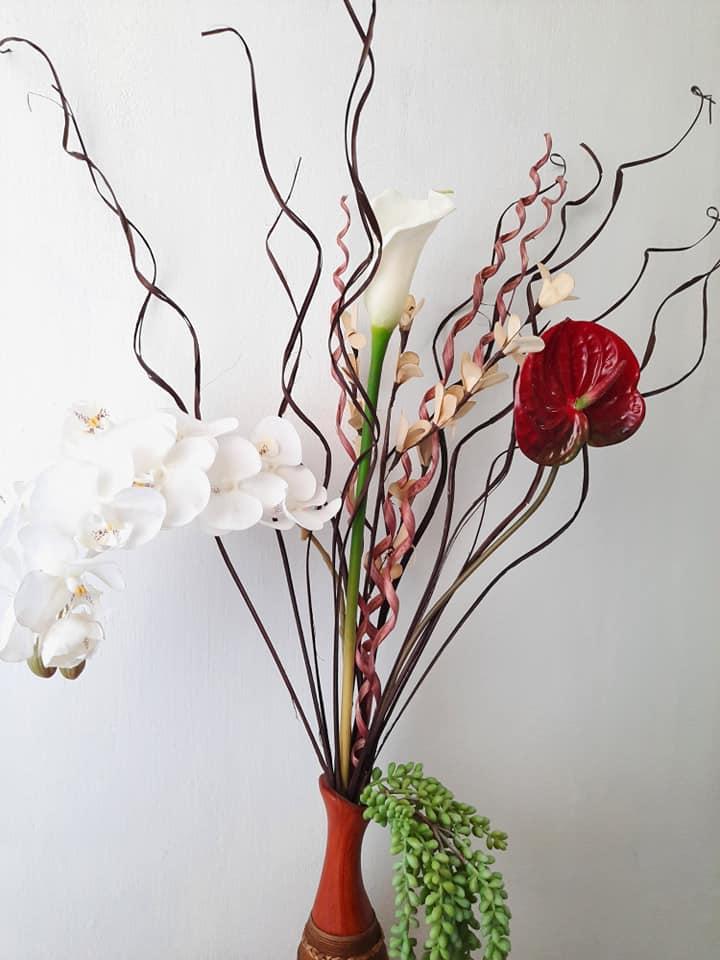 Lọ hoa Tiếc xuân