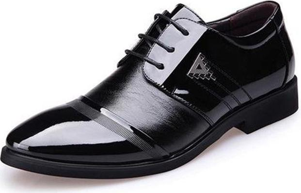 Giày tây da nam đế cao thời trang TRT-GTN-01-DE màu đen - Đen - Size 40 - 23735767 , 4256888256138 , 62_22551797 , 389000 , Giay-tay-da-nam-de-cao-thoi-trang-TRT-GTN-01-DE-mau-den-Den-Size-40-62_22551797 , tiki.vn , Giày tây da nam đế cao thời trang TRT-GTN-01-DE màu đen - Đen - Size 40