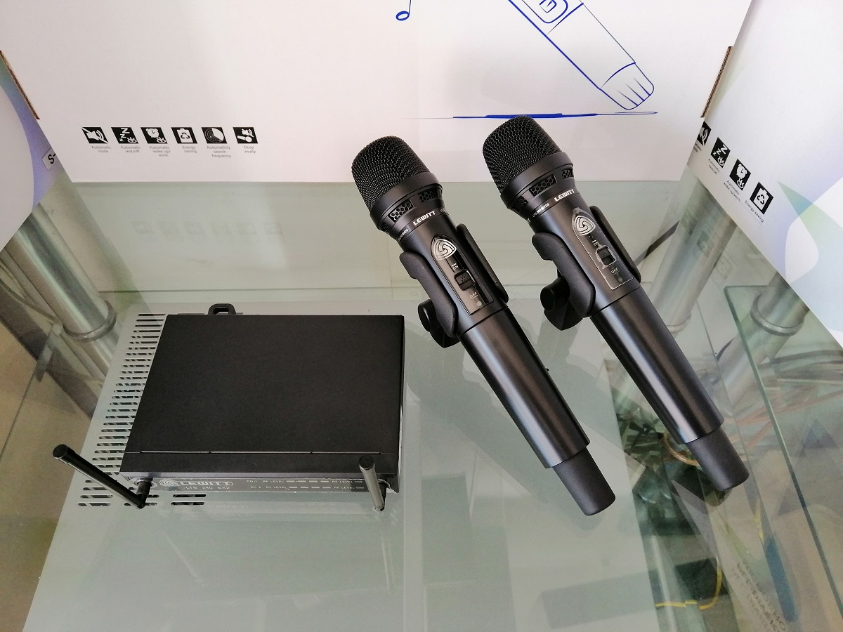 Micro không dây LEWITT LTS 240 DUAL D. Hàng nhập khẩu