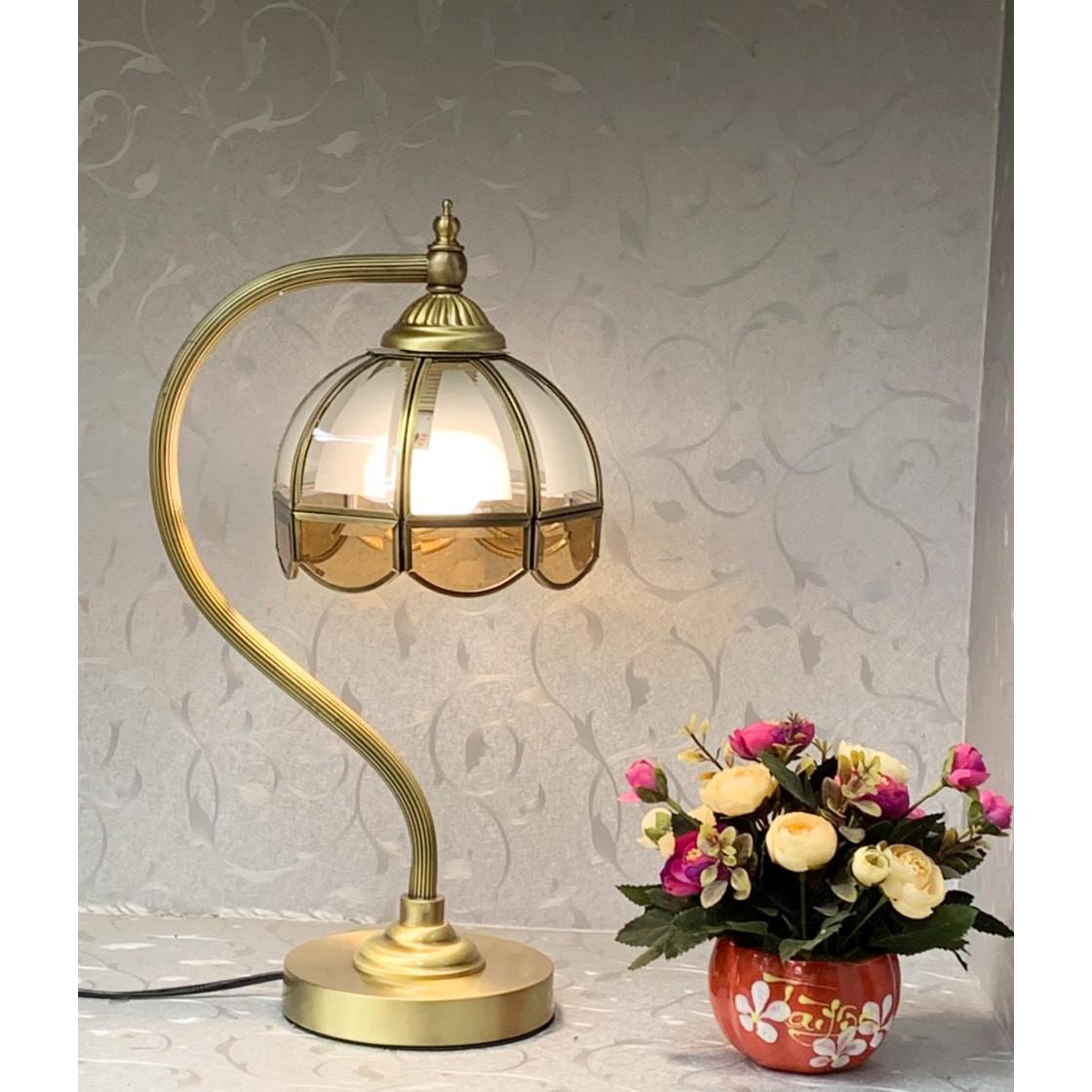 Đèn bàn - đèn bàn trang trí bằng đồng hiện đại 0123