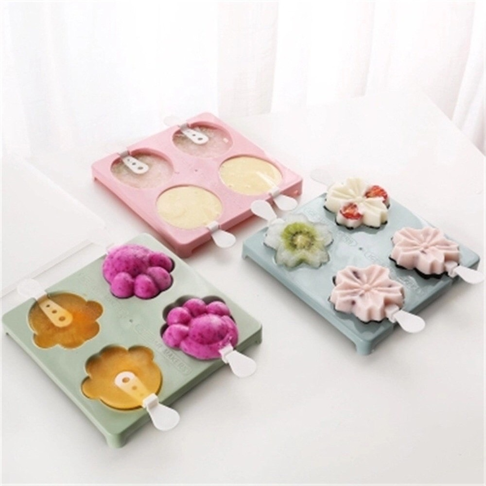 Khuôn làm kem 4 ô silicone hình dáng dễ thương tặng kèm que, Khay tạo hình làm kem tại nhà (GIAO MÂU NGẪU NHIÊN)