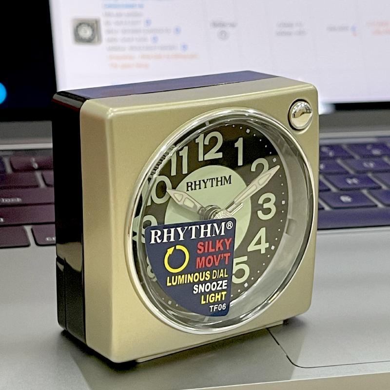 Đồng hồ báo thức Nhật Bản Rhythm CRE823NR18 - Kt 6.0 x 6.2 x 3.5cm, 55g