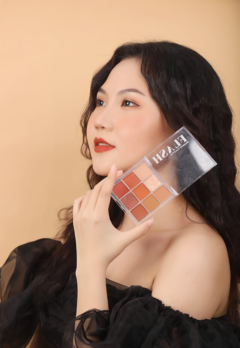 Bảng phấn mắt Eglips Flash Shadow Palette 8,1g – #02 After Nude
