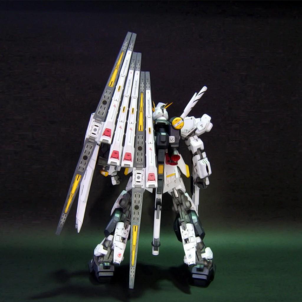Mô hình giấy Gundam Robot RX-93 V Gundam – Ver Evolve