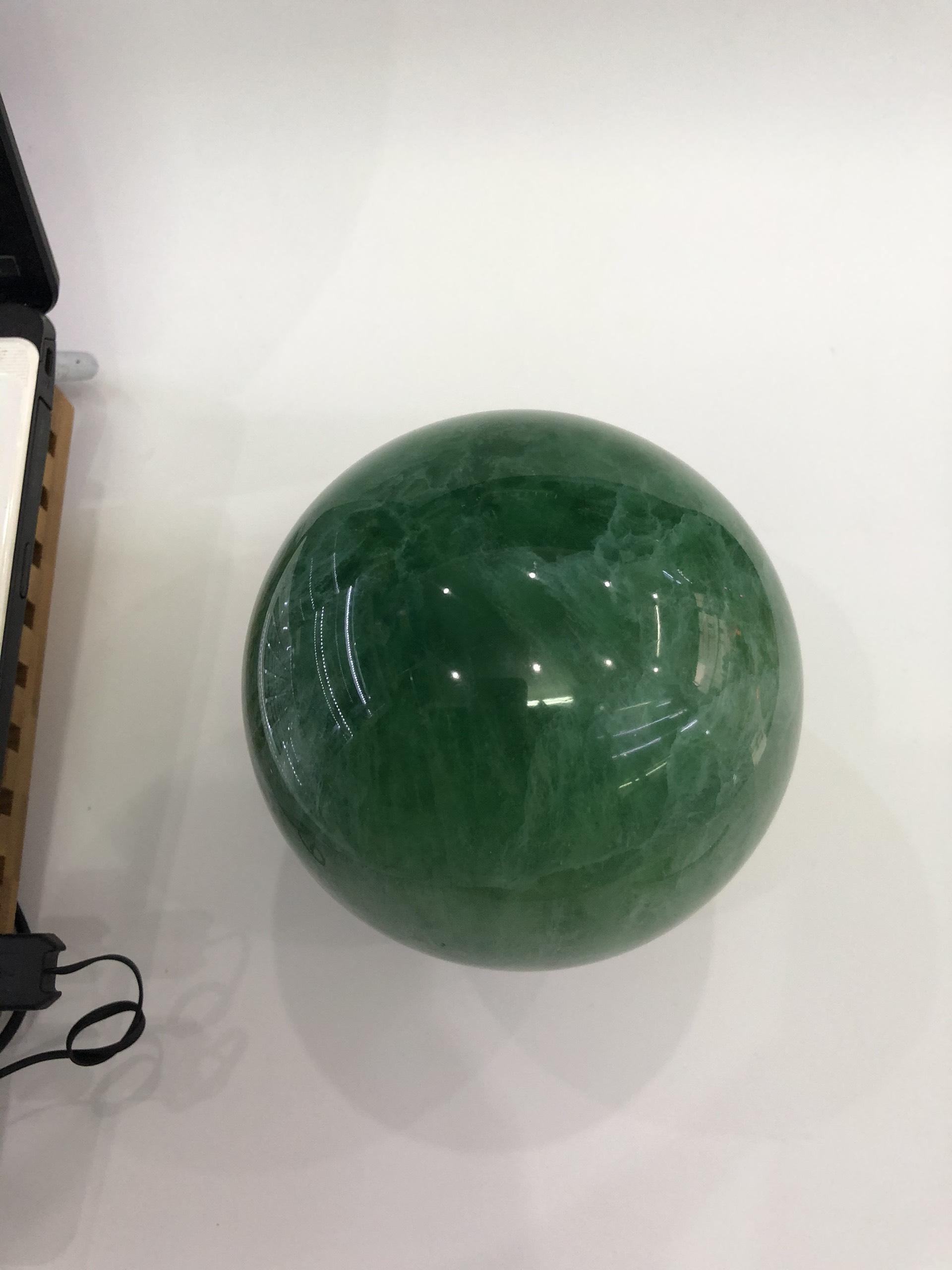 Quả cầu đá Thạch Anh Fluorit xanh lục 2,5kg - 11cm (tặng đế)