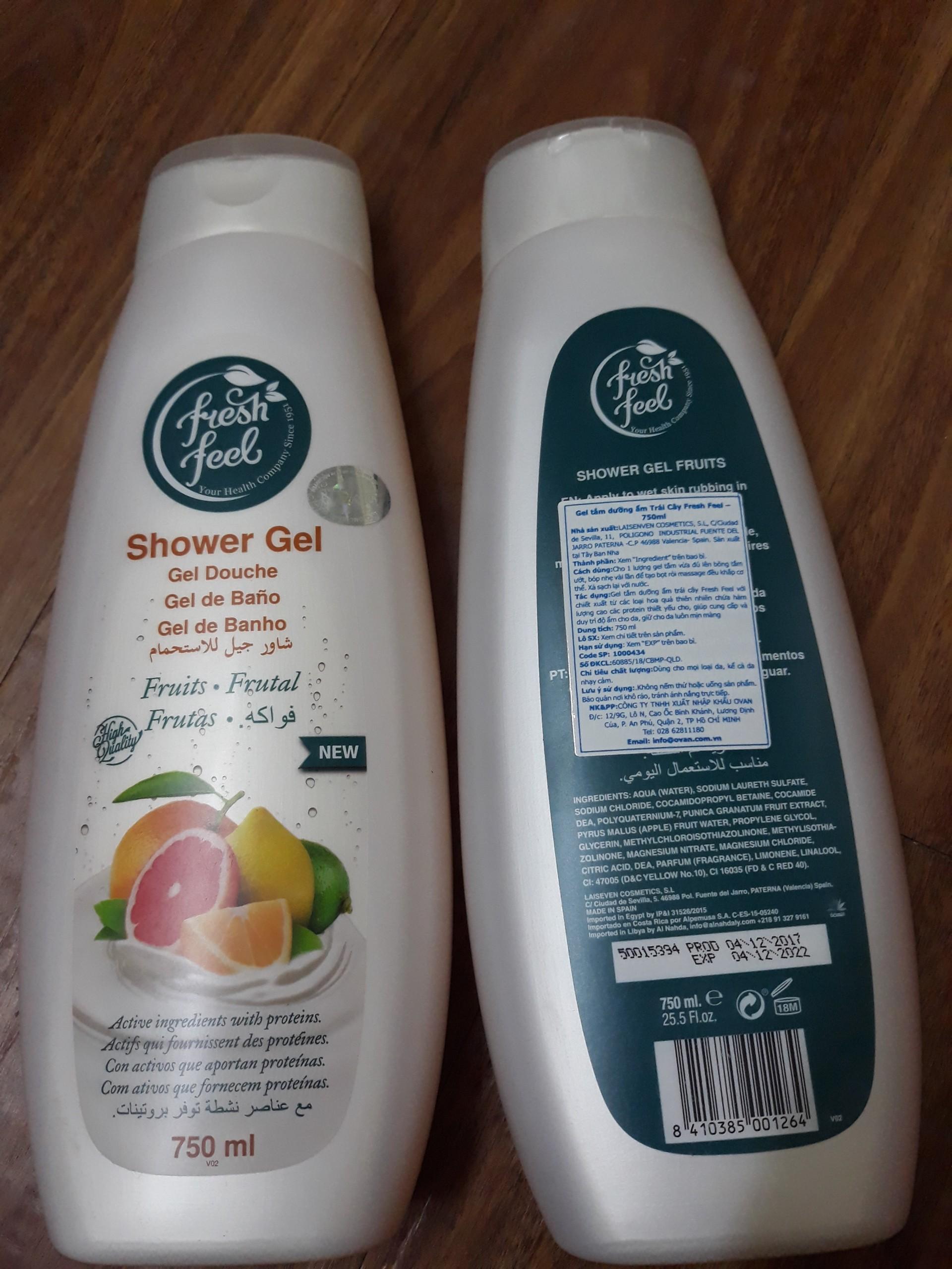 Gel tắm dưỡng ẩm trái cây Fresh Feel - Chiết xuất từ các loại hoa quả thiên nhiên - Cung cấp và duy trì độ ẩm cho da - Chai 750ml