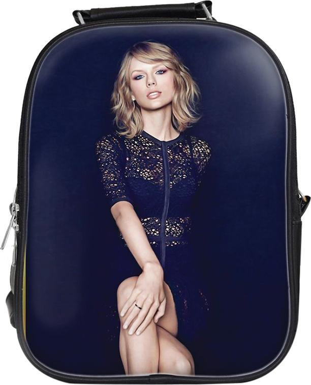 Balo Unisex In Hình Taylor Swift Mặc Đầm Đen - BLUP010 Nhỏ