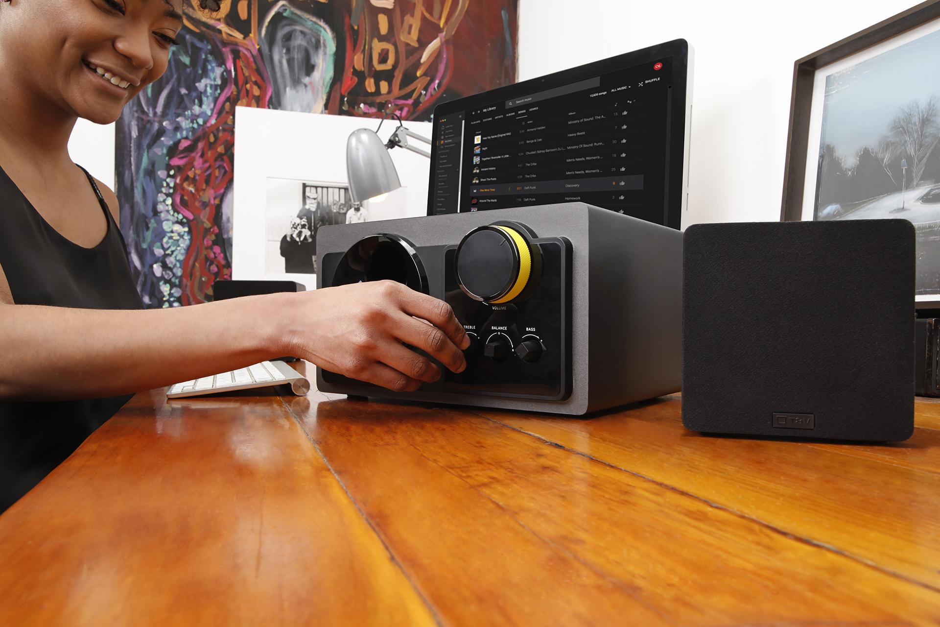 Loa Bluetooth Thonet And Vander STIL + FLUG Hàng chính hãng