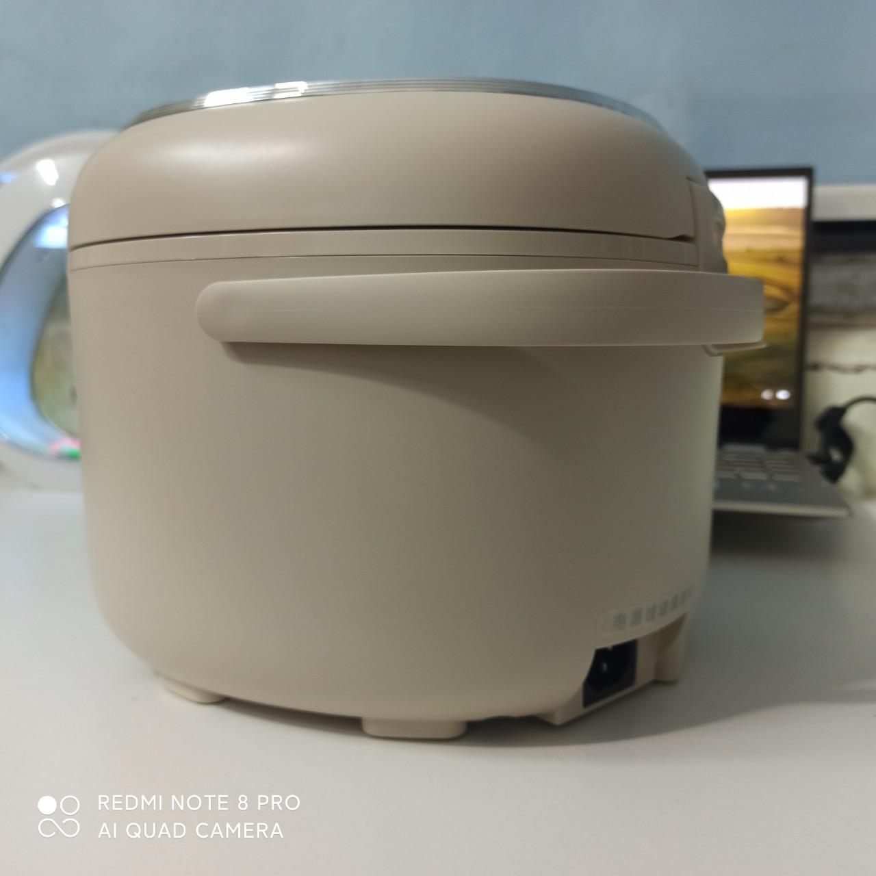 Nồi cơm mini thông minh đa năng , nấu cháo, hầm DM-P20H1  đi kèm phíc cắm đa năng