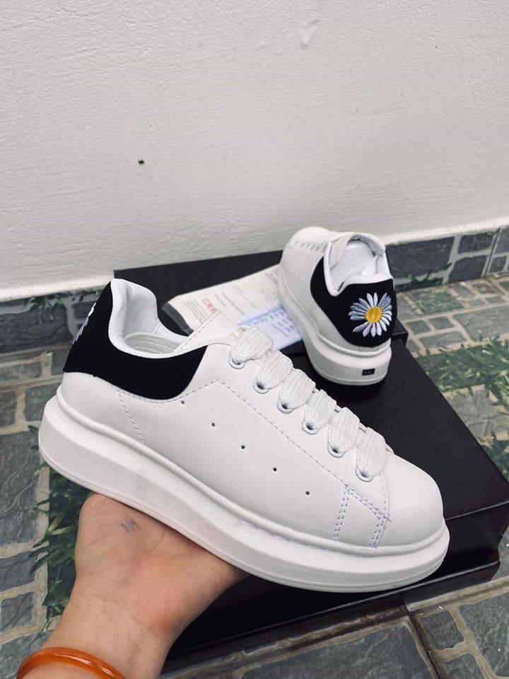 Giày Sneaker  Nam Nữ - DeSeven - Thời Trang Thanh Lịch Hình Ảnh Thực Tế