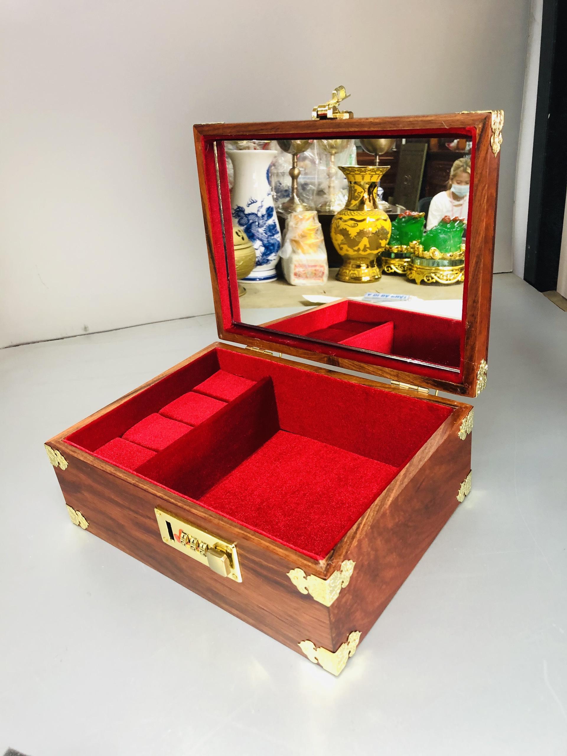 Hợp đựng trang sức gỗ hương , có mã khoá DA181