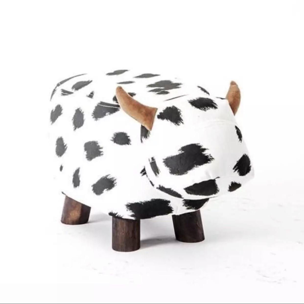 Ghế gỗ bọc da- 49cmx23cmx27cm-hình bò sữa