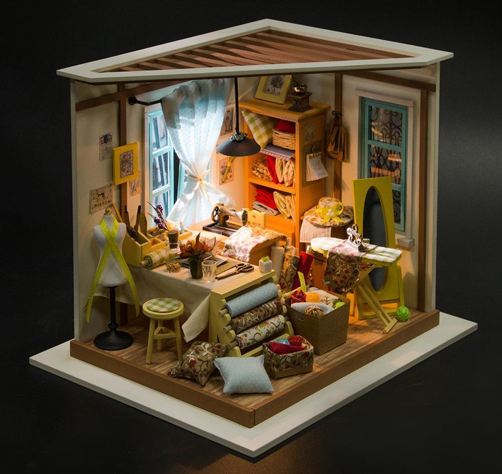 Mô hình nhà DIY Doll House Kit-Lisa is Tailor DG101 Kèm Đèn LED