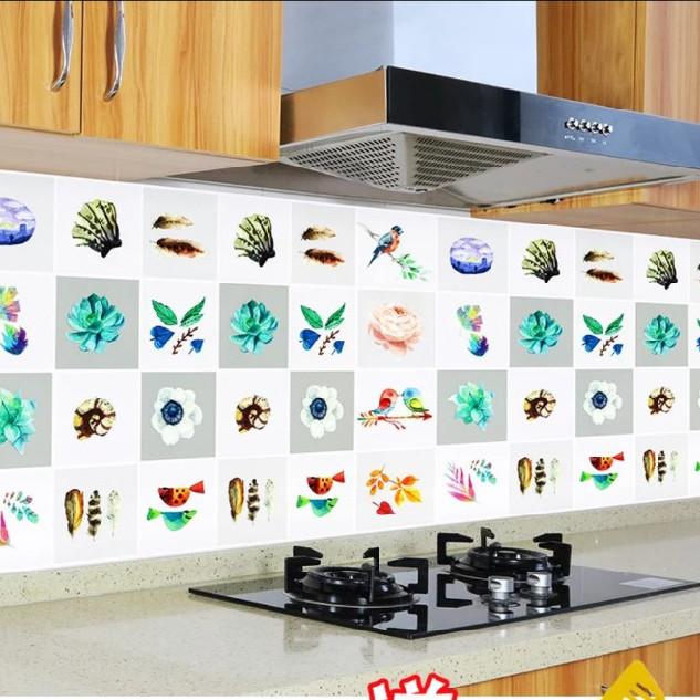 Cuộn 3 Mét Decal Giấy Dán Bếp Tráng Nhôm Cách Nhiệt Hoa Và Chim (3 Mét Dài x 0.6 Mét Rộng)