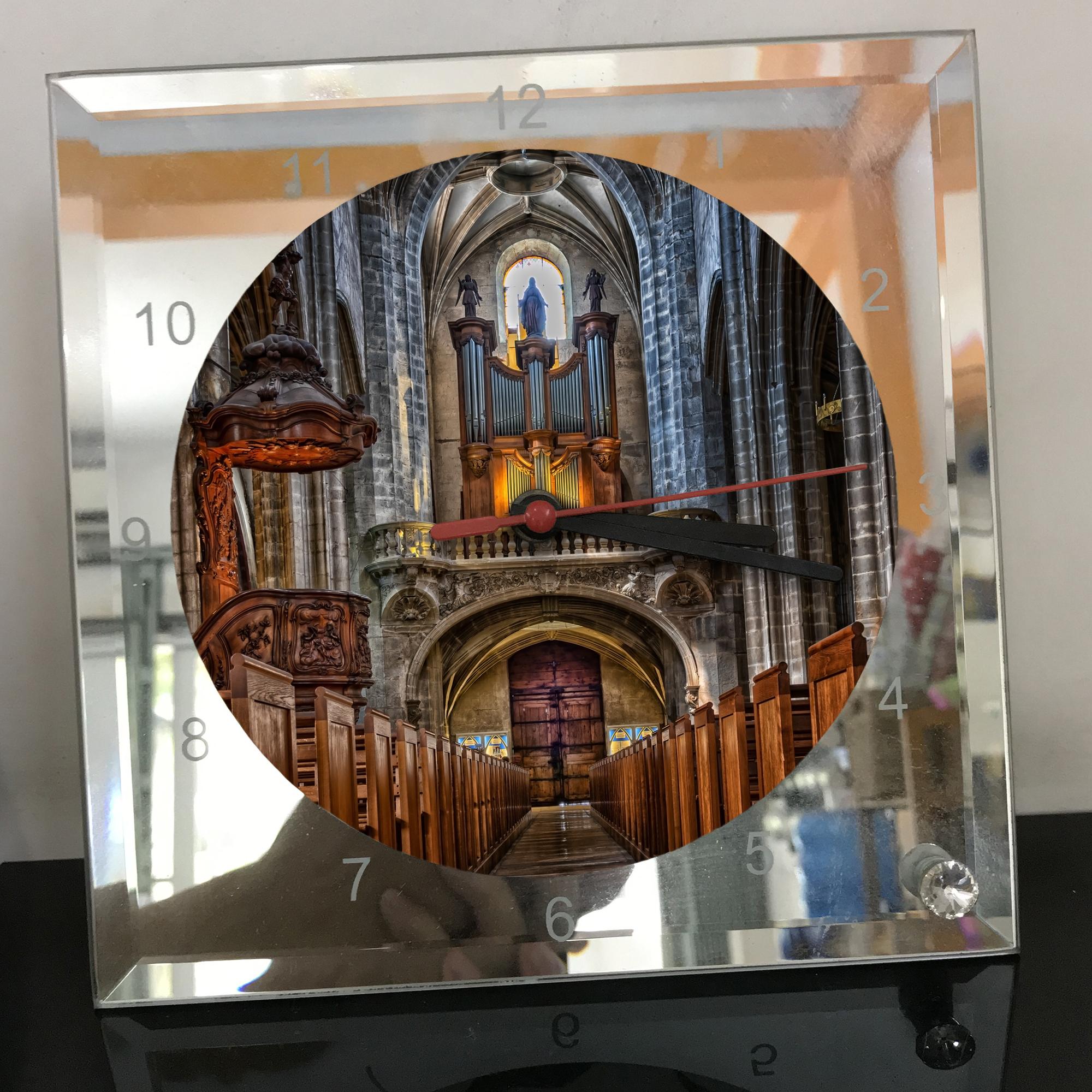 Đồng hồ thủy tinh vuông 20x20 in hình Cathedral - nhà thờ chính tòa (86) . Đồng hồ thủy tinh để bàn trang trí đẹp chủ đề tôn giáo