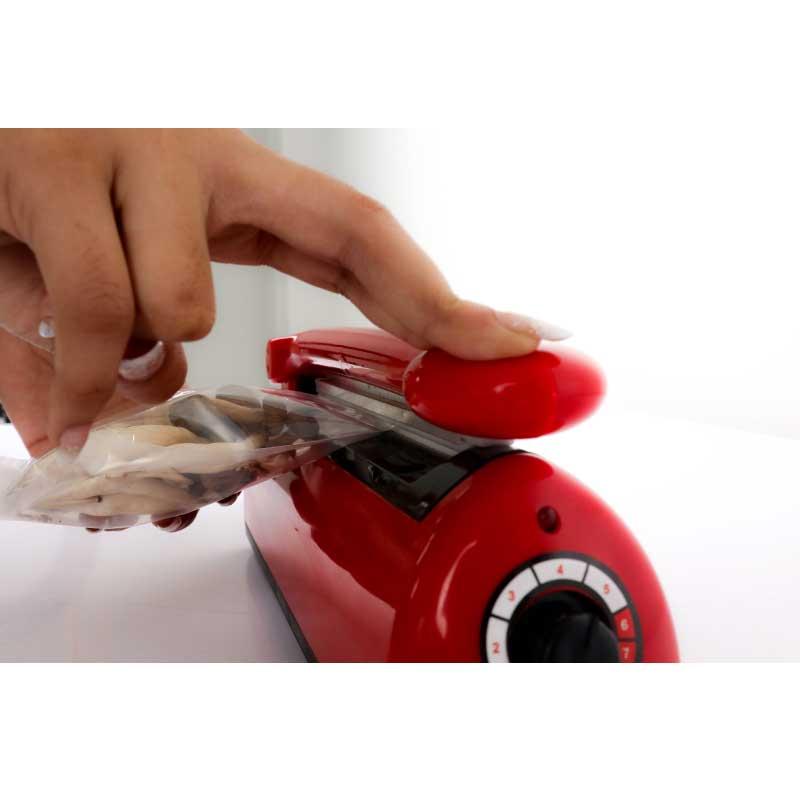 Máy hàn miệng túi đa năng HS30. Dùng để hàn miệng được mọi loại túi. Tốc độ cao, dùng liên tục 24/7. Hàng chính hãng SGE Thailand nhập khẩu