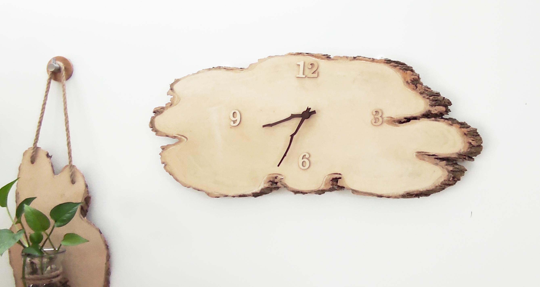 Đồng hồ gỗ treo tường cao cấp (hàng handmade)